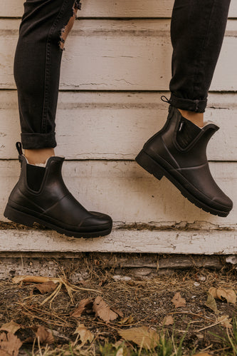 Black Rubber Chelsea Boots | ROOLEE