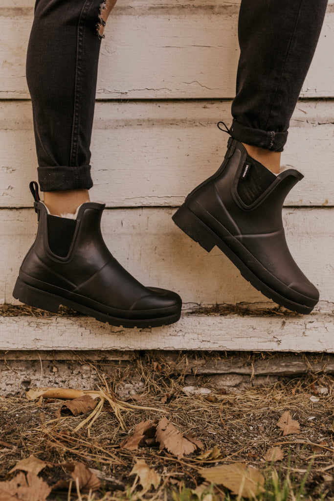 Black Patent Pull On Winter Boots | ROOLEE