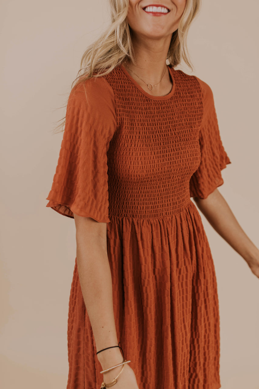 Flowy Sleeve Dress Outfit | ROOLEE