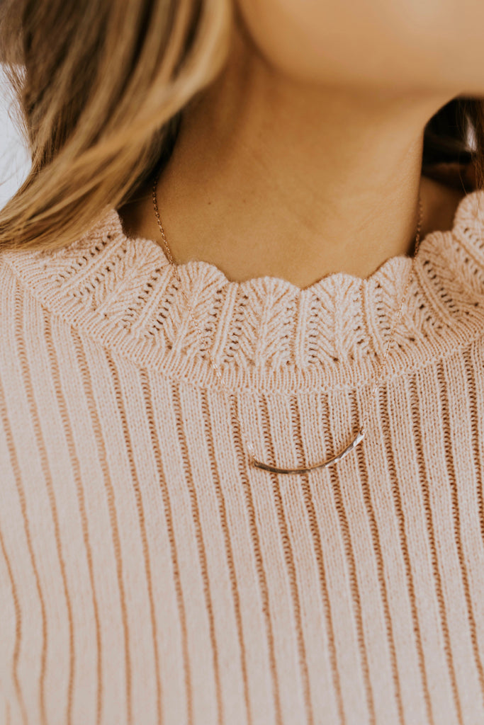 Scalloped Lace Neckline Sweater | ROOLEE
