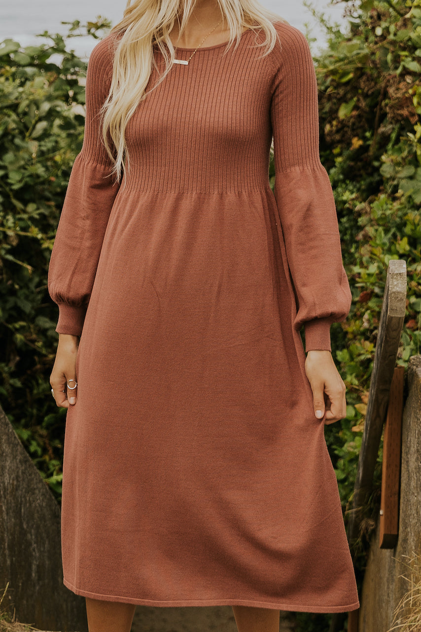 Simple pink dresses for fall parties | ROOLEE