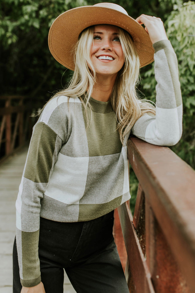 Olive Colorblock Sweater | ROOLEE