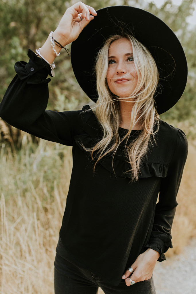 Black Ruffle Top Outfit | ROOLEE