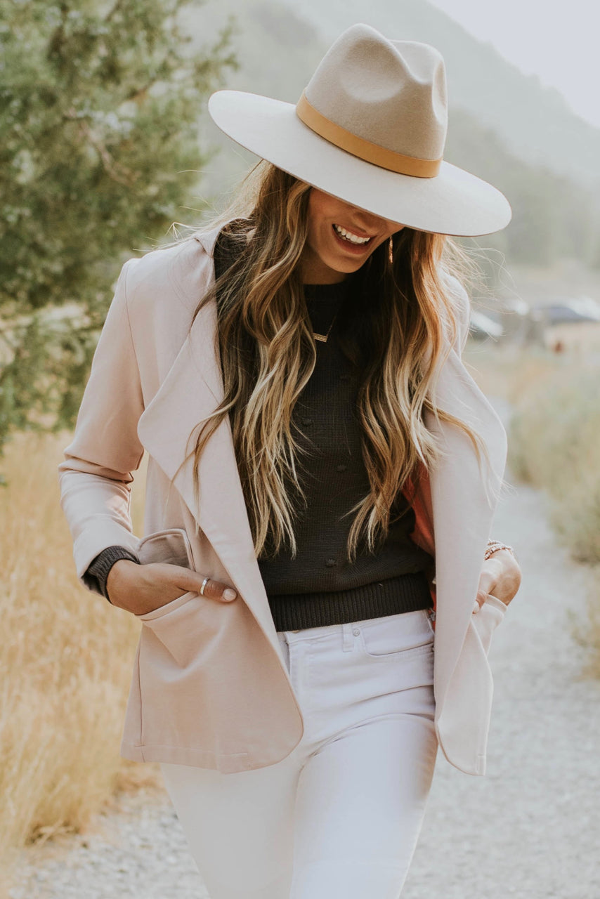 Sophisticated Feminine Outfit | ROOLEE