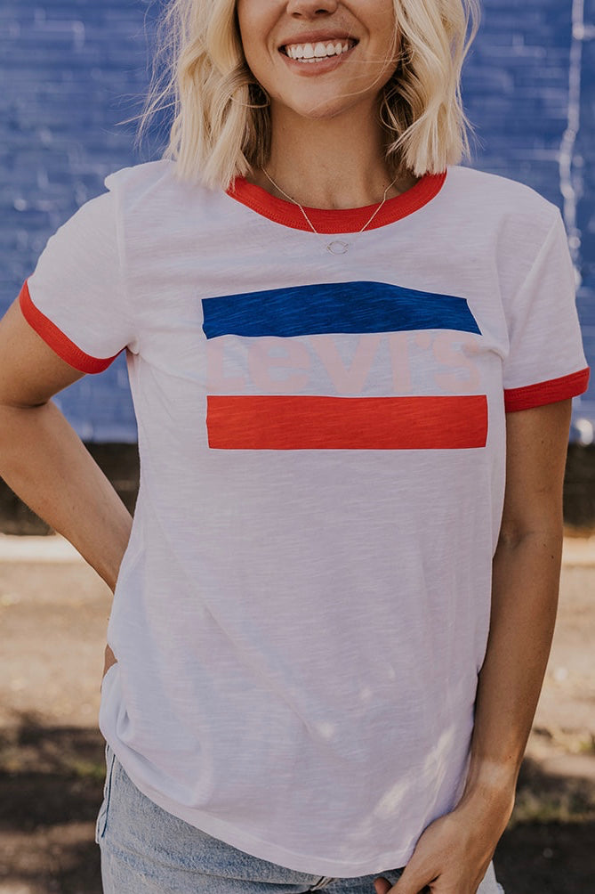 Levi's Graphic Tee | ROOLEE
