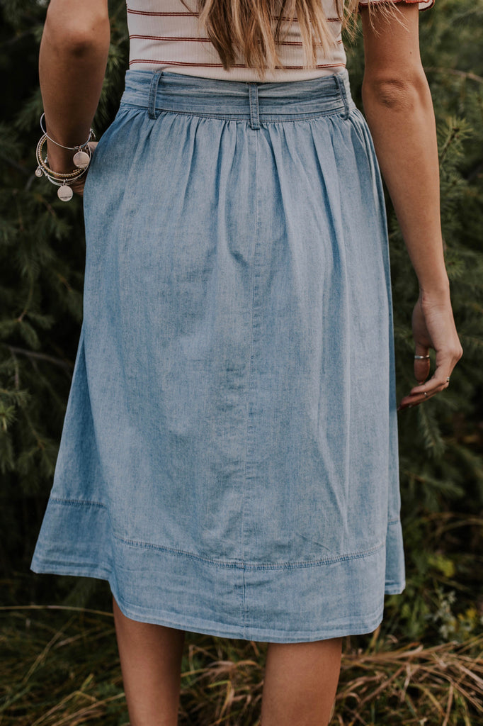 Button-Down Denim Skirt with Waist Tie | ROOLEE