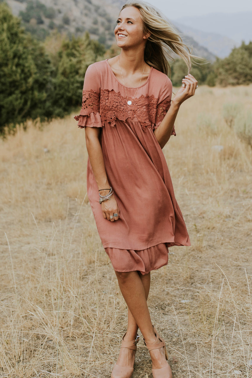 Short Sleeve Lace Dress Outfit | ROOLEE