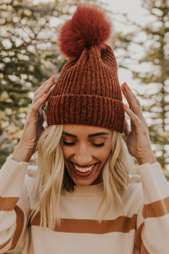 Floofy Pom Knit Hat