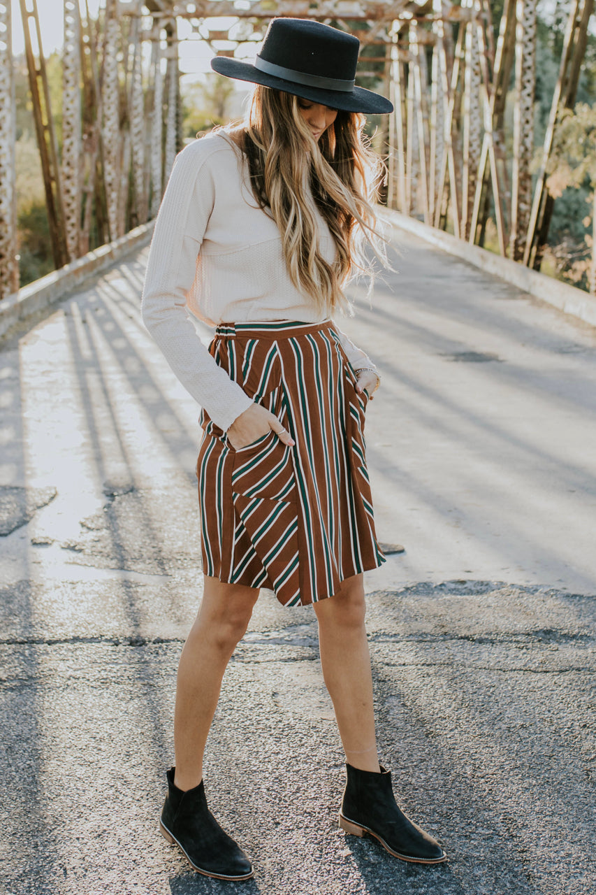 Skirt Outfit for Fall | ROOLEE