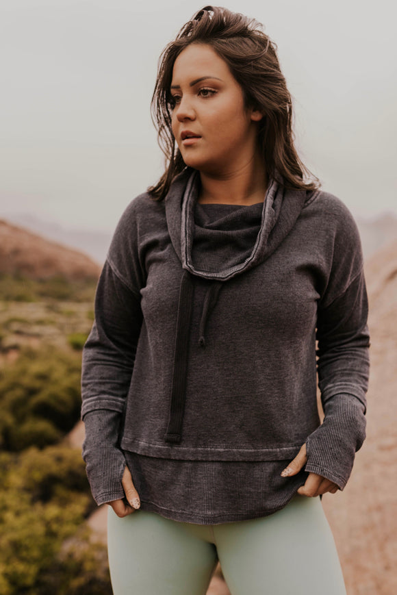 Black Mineral Wash Pullover | ROOLEE