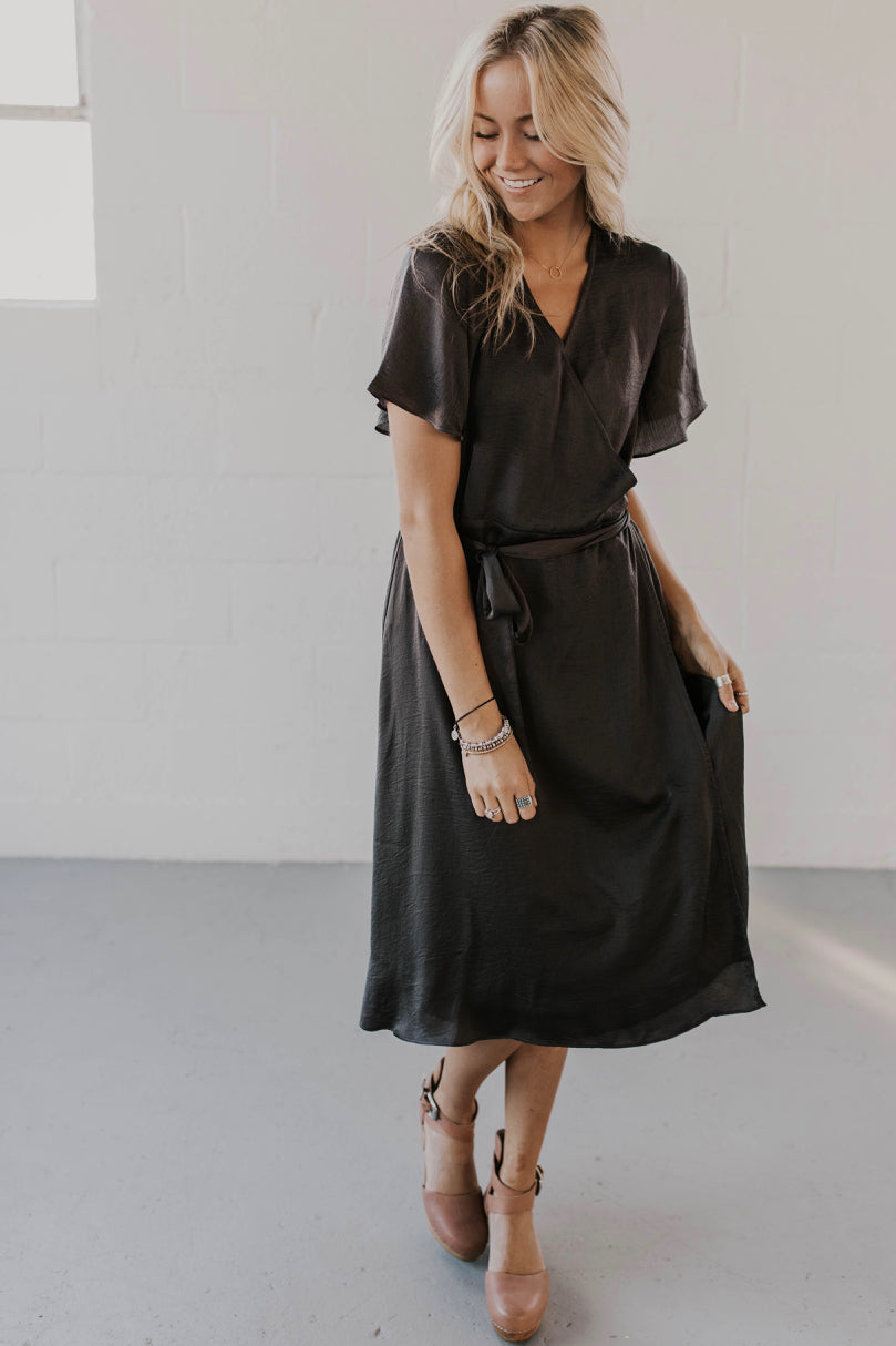 Charcoal Grey Elegant Dress Outfit Ideas | ROOLEE