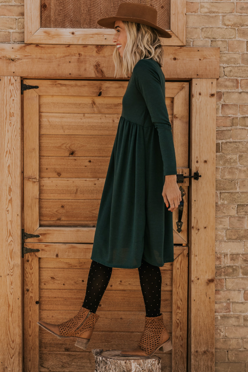 Knee Length Evergreen Dresse | ROOLEE
