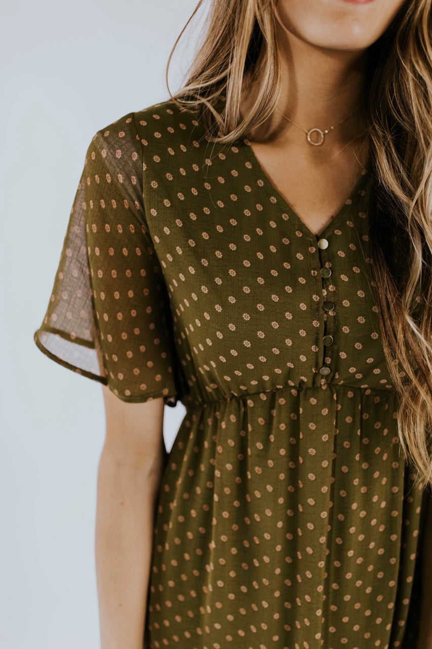 Autumn Olive Dress Ideas Outfit | ROOLEE