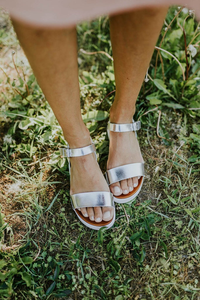 Meet In The Middle Sandal in Silver | ROOLEE