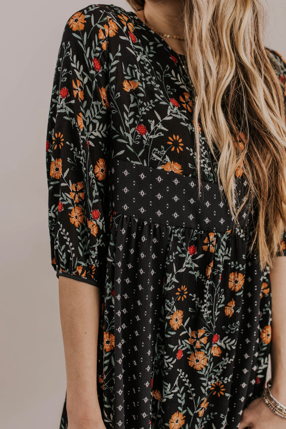 3/4 Sleeve Floral Dress Outfit Ideas | ROOLEE
