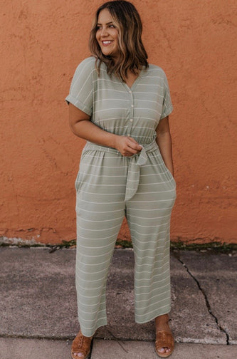 Women's Modest Summer Outfit | ROOLEE