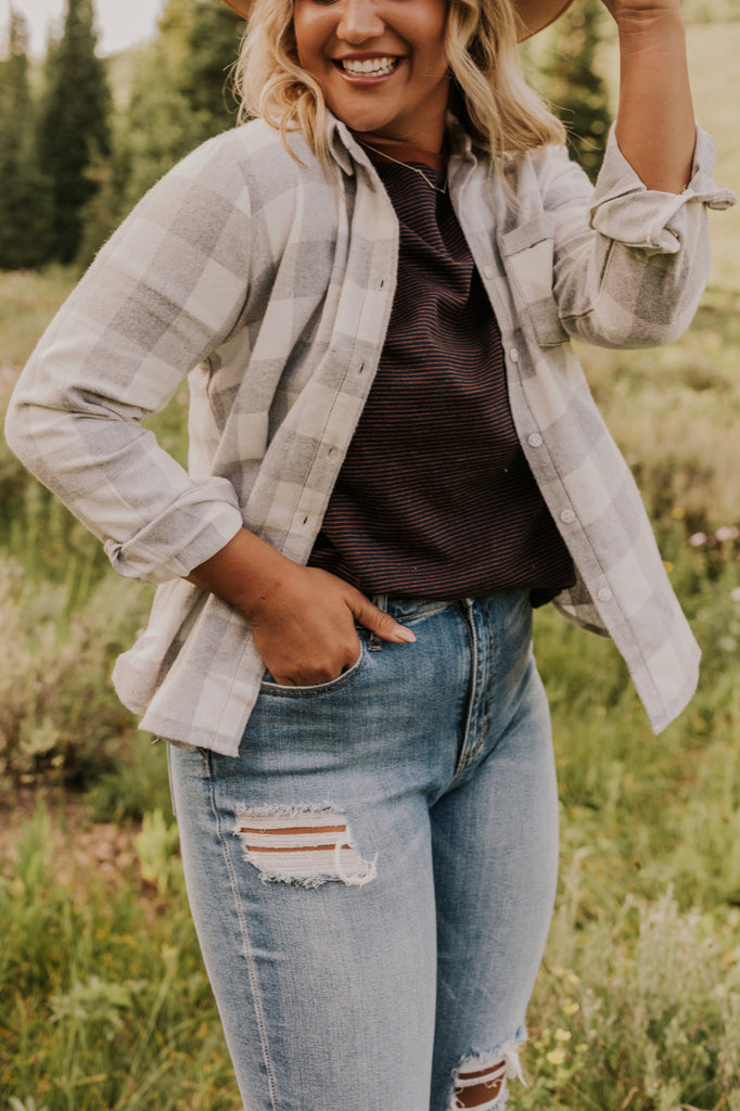 Flannel Button Up Outfit Inspiration | ROOLEE