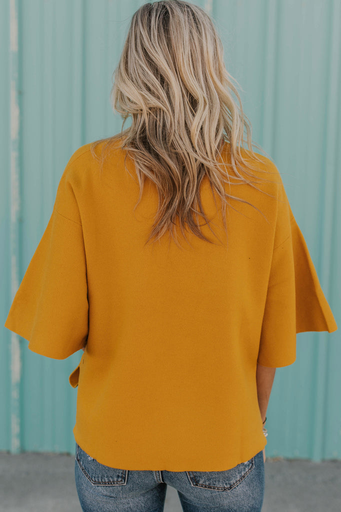 Mustard Box Fit Top | ROOLEE