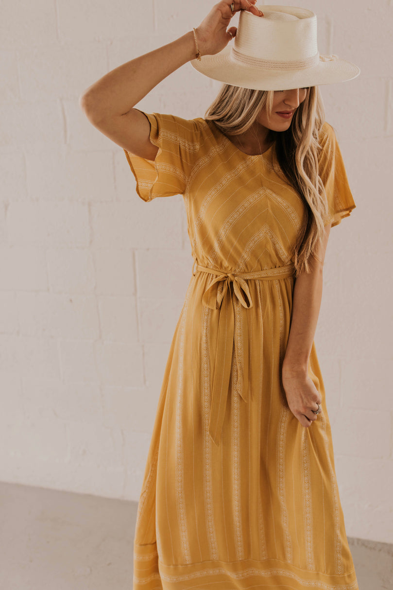 Maxi Dress Outfit Ideas | ROOLEE