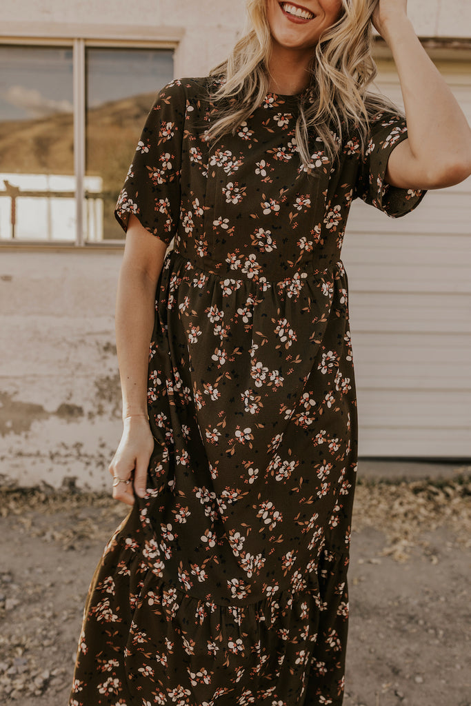 Short Sleeve Winter Nursing Dresses | ROOLEE