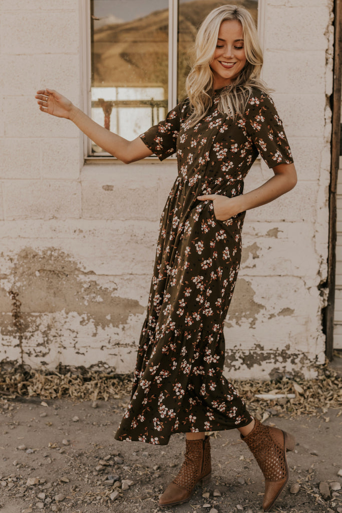 Maxi Dresses for Nursing Moms | ROOLEE