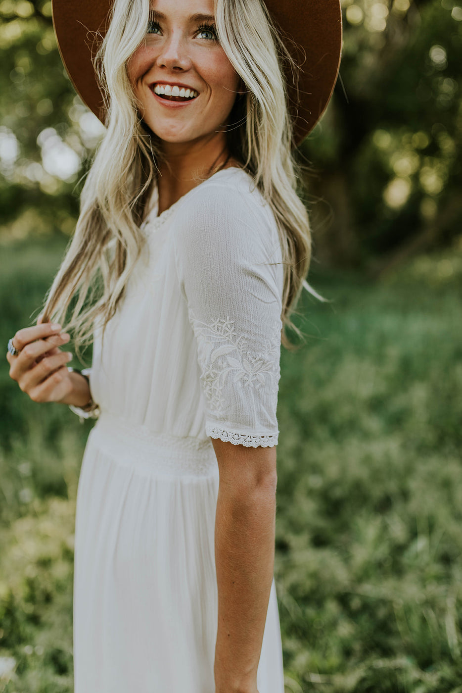 Short Sleeve Lace Dress in White | ROOLEE