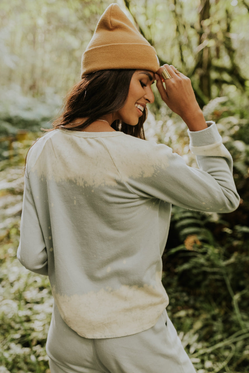 Light blue long sleeve sweater | ROOLEE