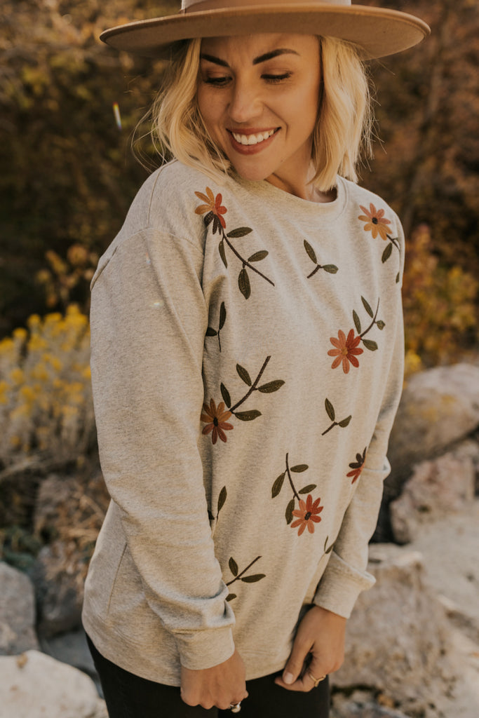 Embroidered Flowers Pullover | ROOLEE