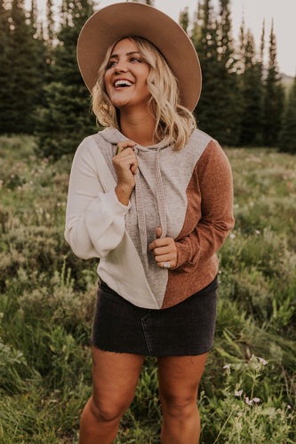 Cute Fall Hoodie Outfit Ideas | ROOLEE