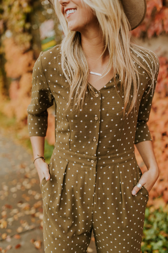 Print Jumpsuit Outfit Ideas For Fall | ROOLEE