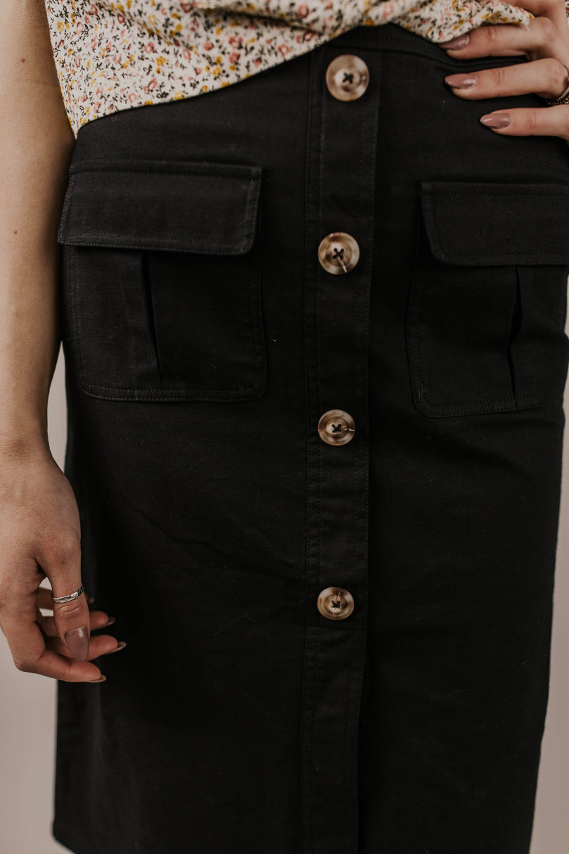 Black Button Skirt | ROOLEE