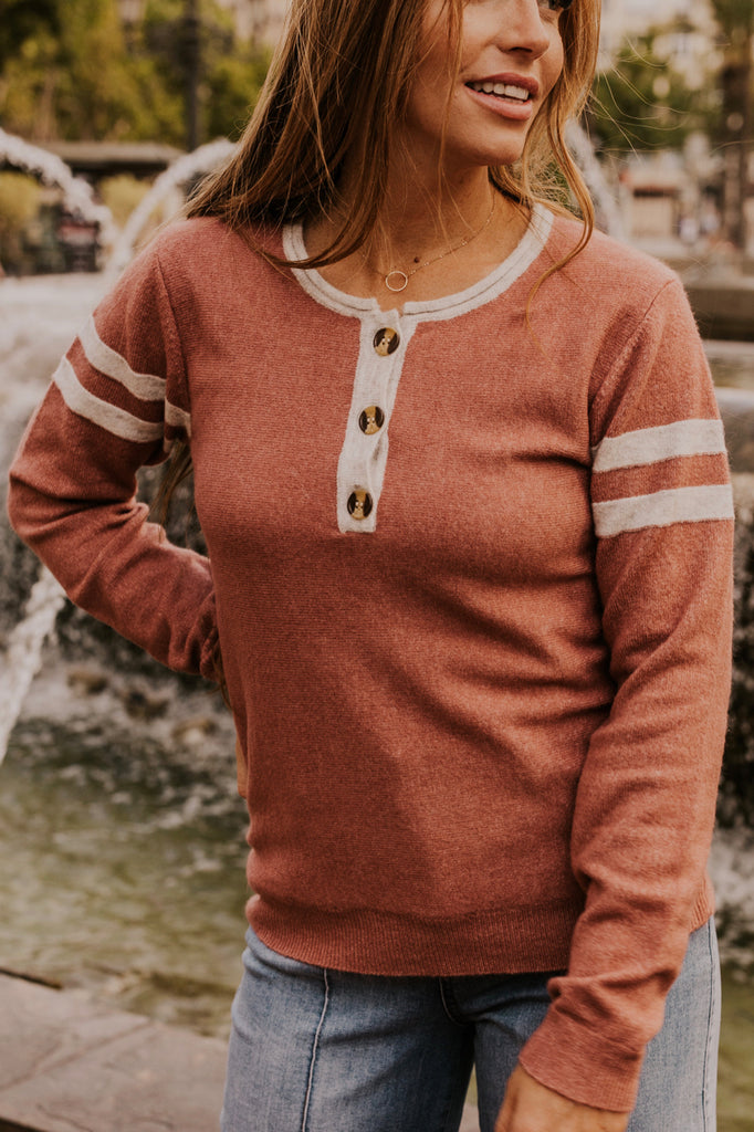 Cozy Knit Crew Neck Button Detail Travel Outfits | ROOLEE
