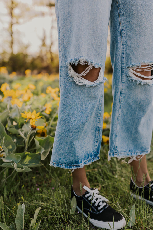Busted Knee Wide Leg Jeans | ROOLEE
