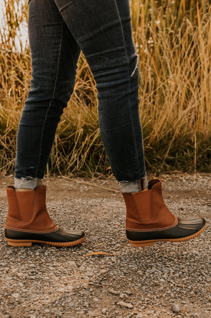 Winter Duck Boots to Keep Fashionable and Dry | ROOLEE