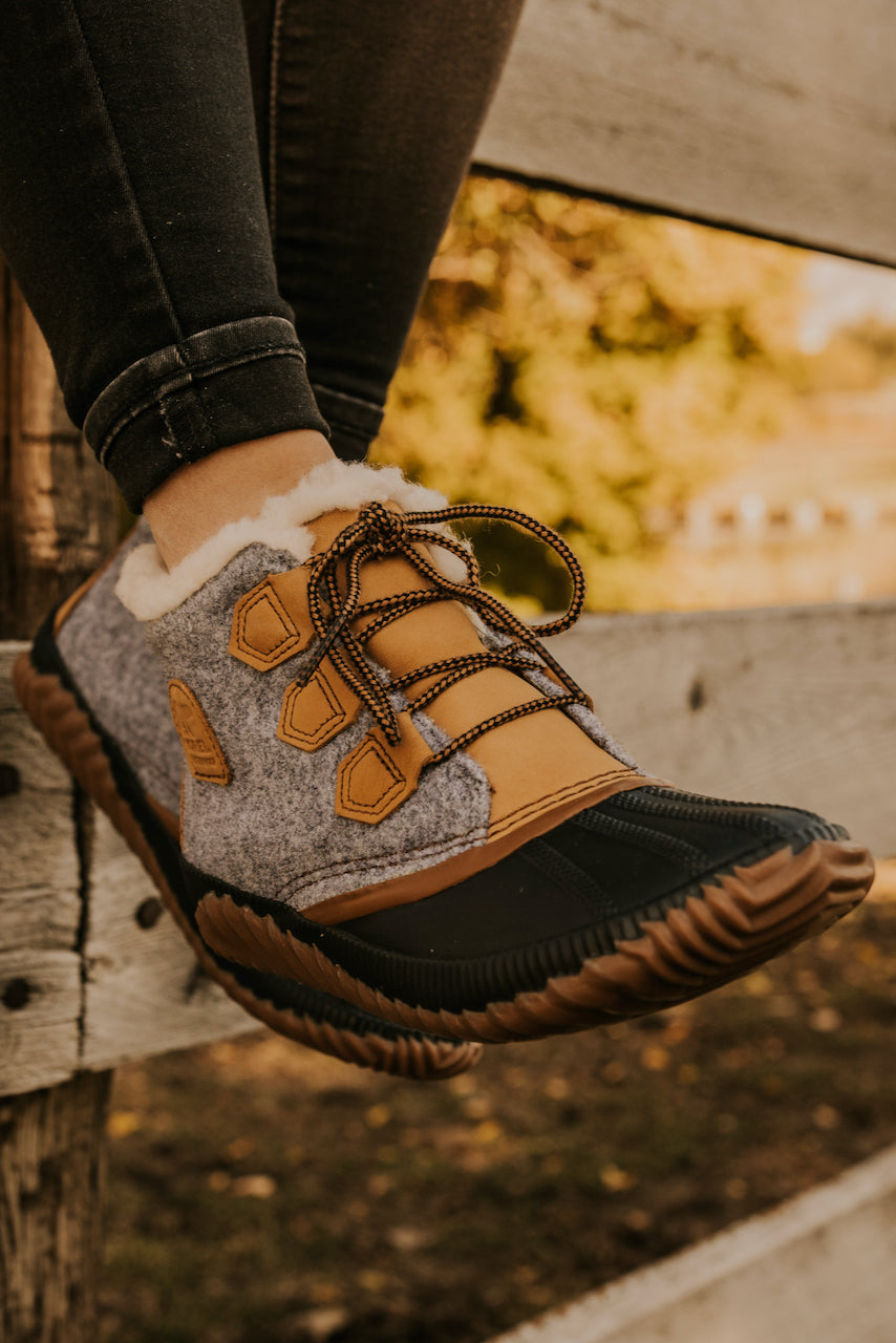 Lace Up Sherpa Waterproof Boot | ROOLEE