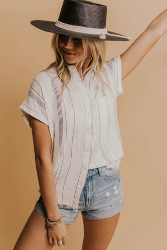 Nursing Friendly Pocket Tee | ROOLEE