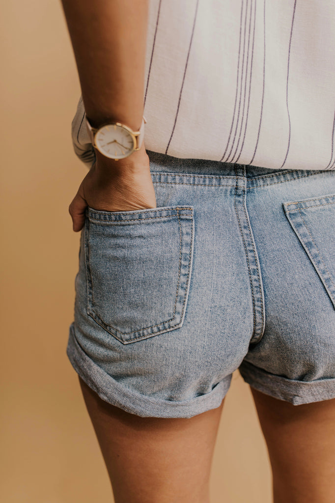 Denim Shorts Outfit | ROOLEE