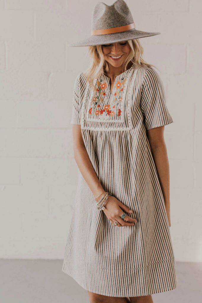Smock Dress Outfit | ROOLEE