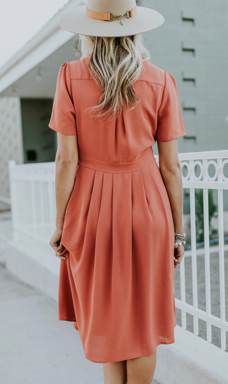 Flowing Short Sleeve Dress in Salmon | ROOLEE