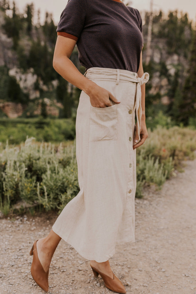 Natural Color Midi Skirt | ROOLEE