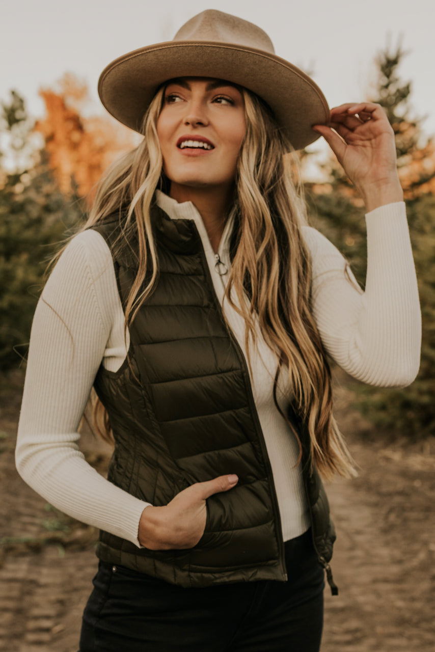 How to Style a Vest | ROOLEE