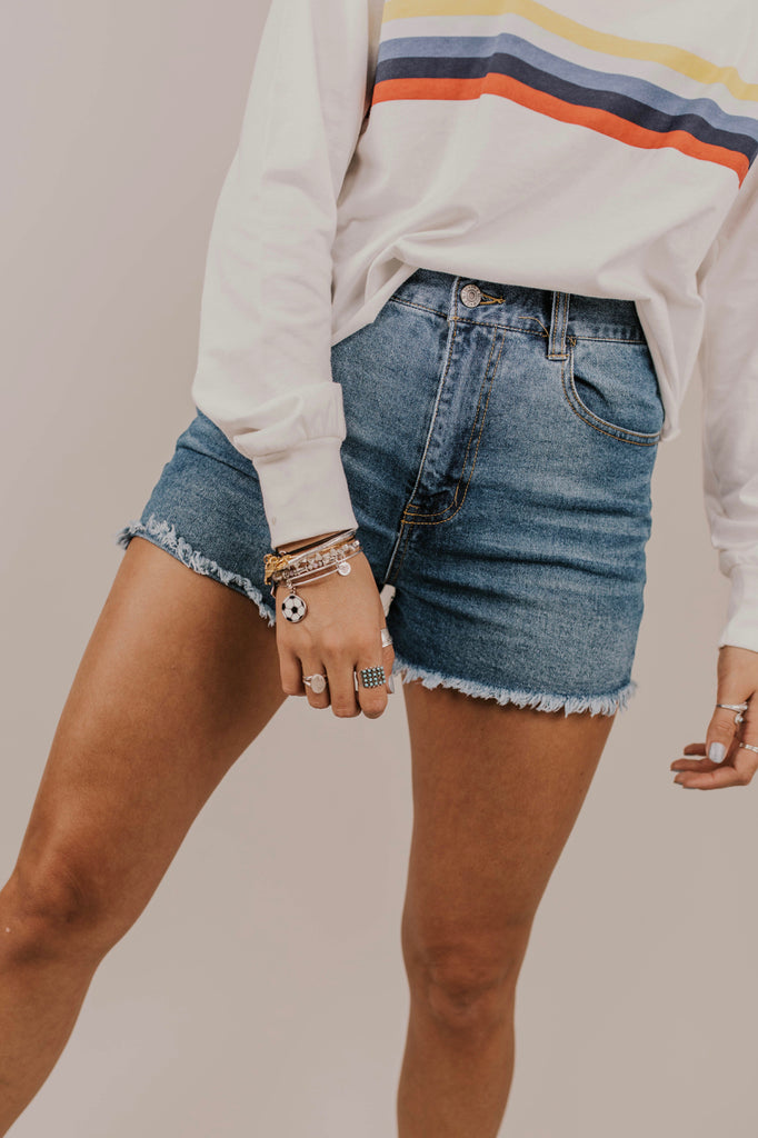 Summer Short Outfit Ideas | ROOLEE