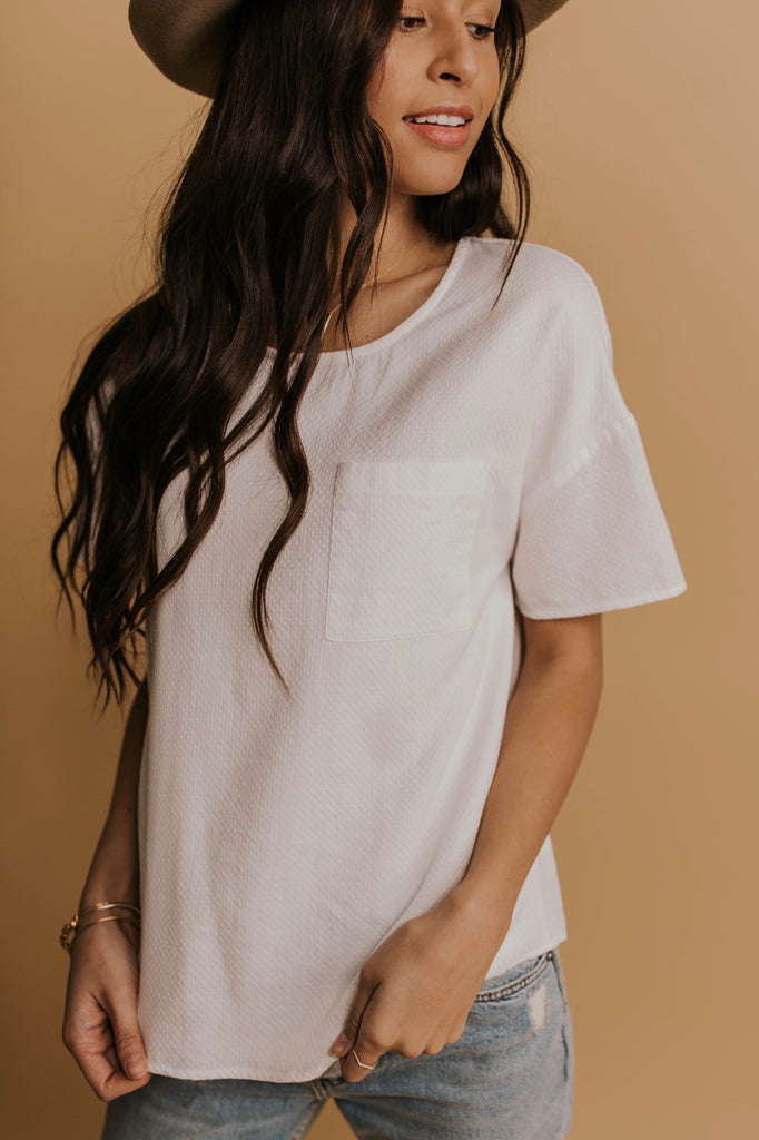 Simple White Pocket Tee | ROOLEE