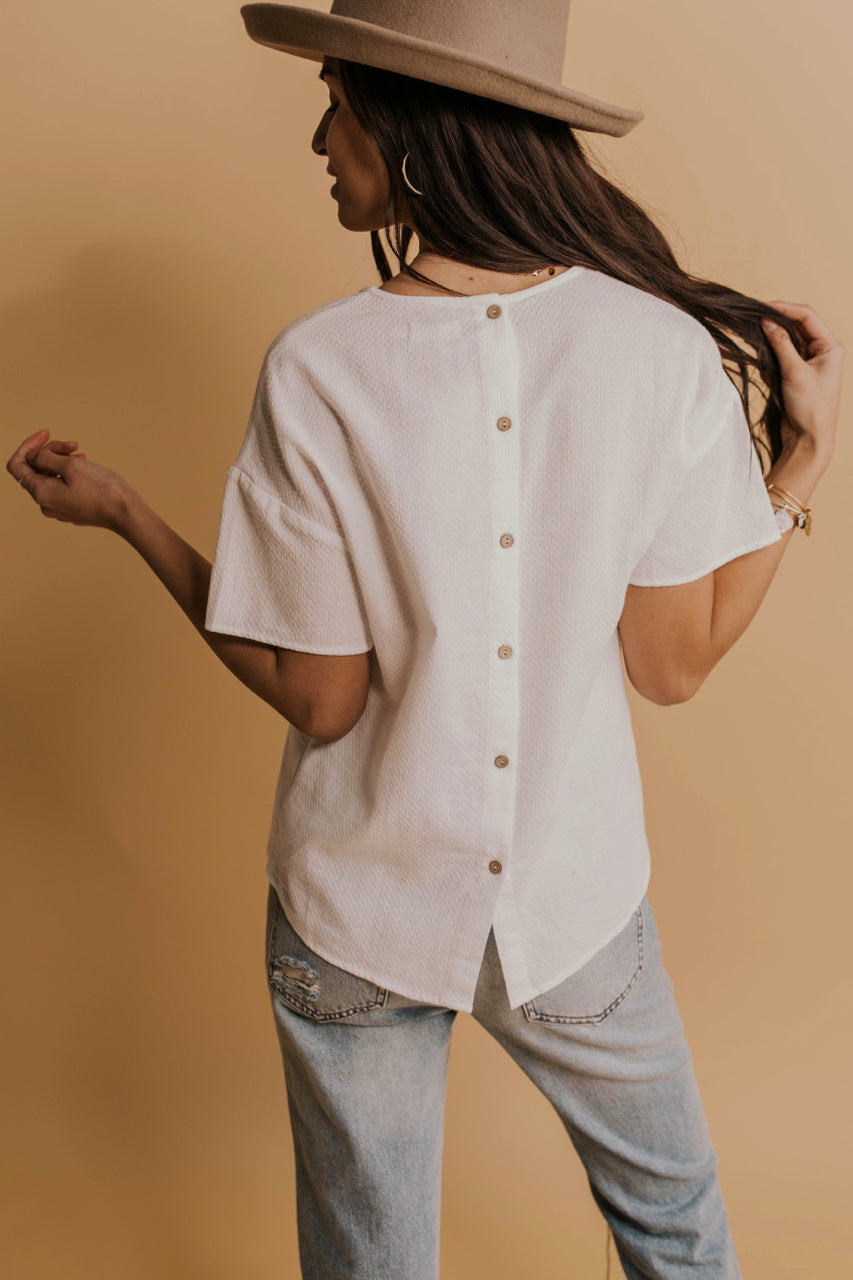Button back White Tee | ROOLEE