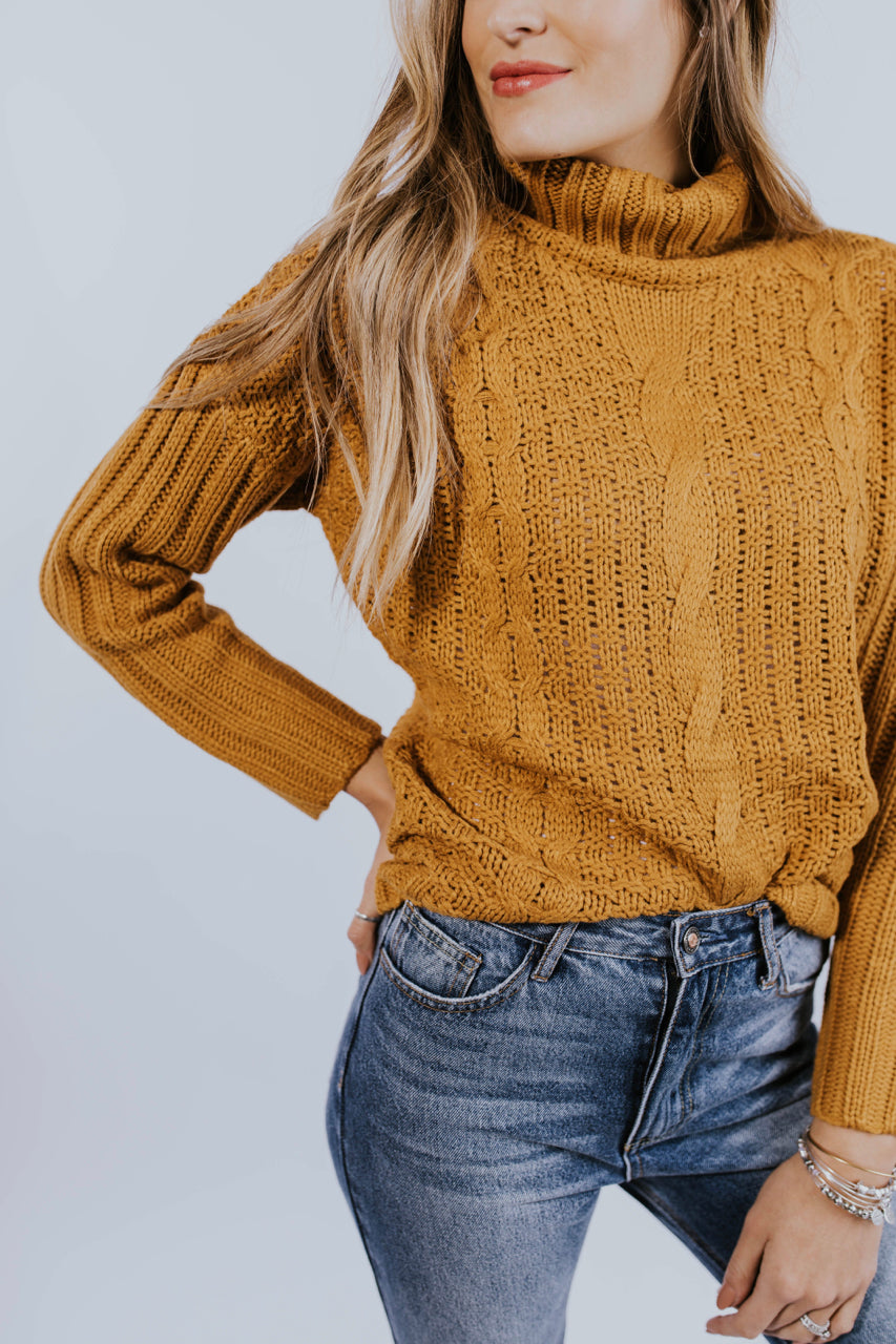 Cable Knit Sweater | ROOLEE