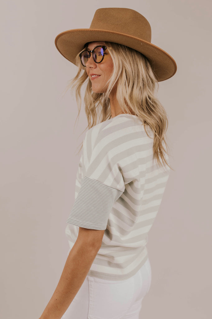 Green Short Sleeve Stripe Tee Outfit Ideas | ROOLEE