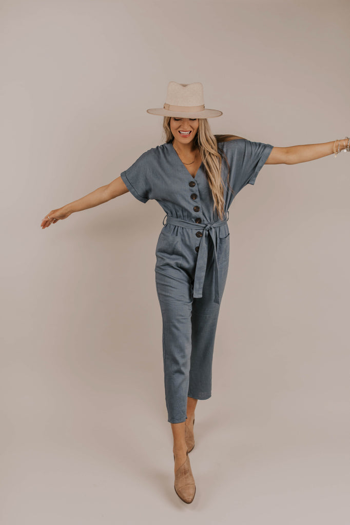 Simple Jumpsuit Outfit | ROOLEE