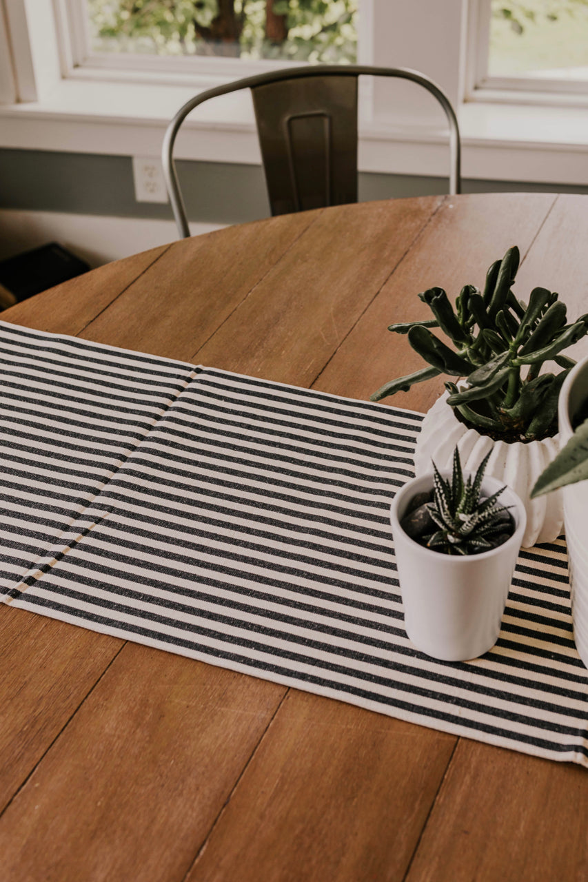 Black and White Table Runner | ROOLEE