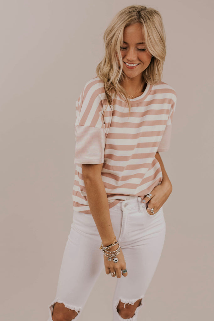 Short Sleeve Stripe Top Outfit Ideas | ROOLEE