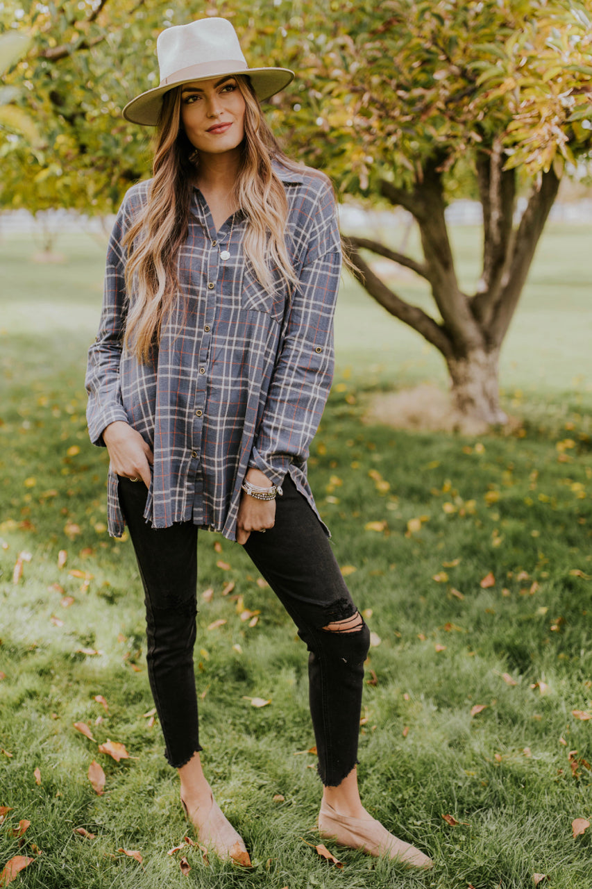 Oversized Flannel Outfit for Fall | ROOLEE